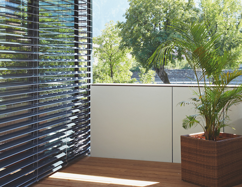 brise soleil terrasse best se protger du soleil sur une terrasse with brise soleil terrasse. Black Bedroom Furniture Sets. Home Design Ideas